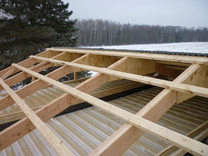 Vision tecnica construir una casa utilizando 3 contenedores for Tejados de madera a dos aguas